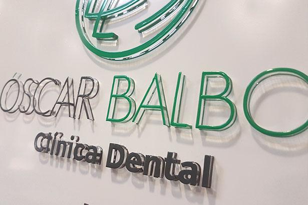 Diseño de Rotulación exterior para Óscar Balboa Clínica dental